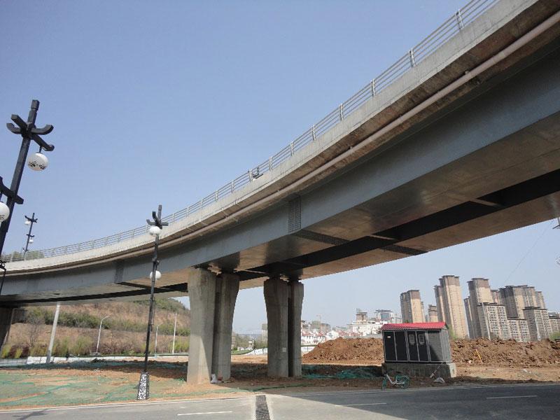 宝鸡石鼓园跨线箱式钢匝道引桥